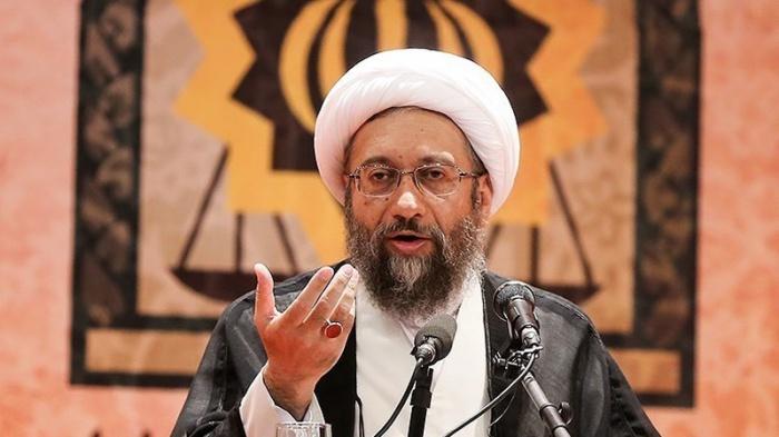 57661-INNERRESIZED600-700-Larijani