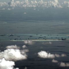 Philippines offers China talks on maritime disputes