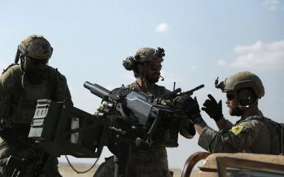 US-troops-near-Raqqa-400x250