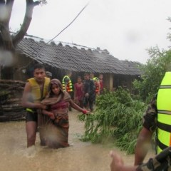 Flash floods kill scores in Nepal, India