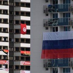 В Олимпийской деревне сорвали российский флаг