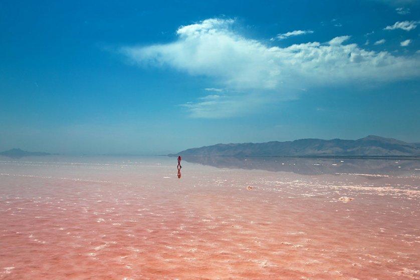 Озеро Урмия находится на грани исчезновения, в связи с чем учеными разных стран ведется активная работа по спасению водоема.