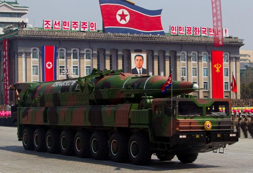 КНДР обещает начать войну за воссоединение Севера и Юга в ответ на провокации США