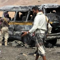 Yemen government accepts UN peace plan, rebels reject it