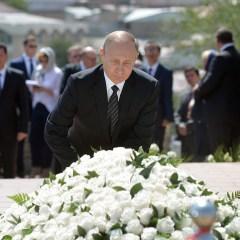 Путин почтил память Каримова в Самарканде
