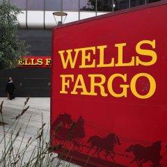 Более пяти тысяч сотрудников банка Wells Fargo уволили за мошенничество