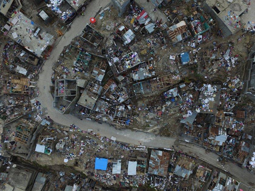 От урагана в Гаити уже погибло по меньшей мере 372 человека и 211 получили ранения.