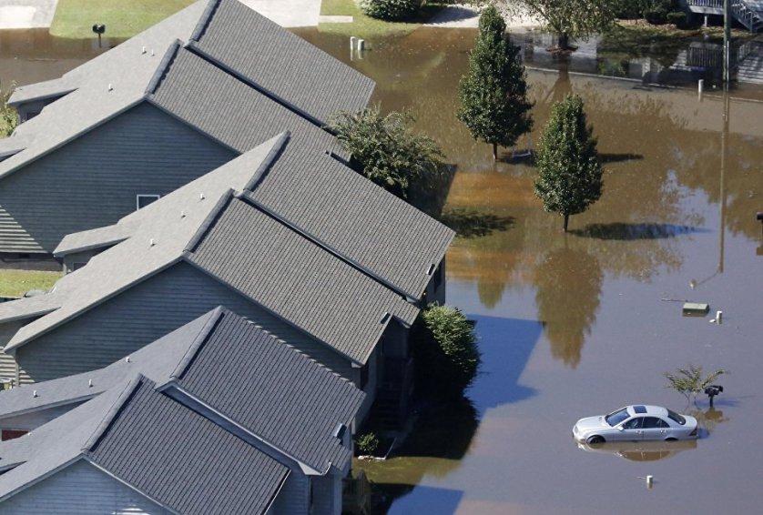 """Ураган """"Мэтью"""" является ураганом четвертой категории с ветром до 235 километров в час."""
