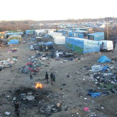 Calais Jungle clearance to resume after tentburning, gas explosions overnight