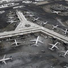 В американском аэропорту второй раз за два дня столкнулись самолеты
