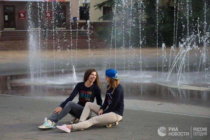 Аномально теплая погода установилась в Сочи, дневная температура на этой неделе поднималась до 20 градусов.
