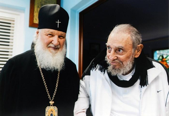 Патриарх Московский и всея Руси Кирилл и Фидель Кастро во время встречи в доме кубинского лидера в феврале 2016 года.