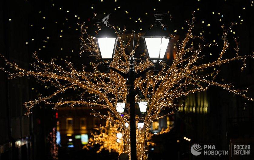 В центральной части города создано единое световое пространство.