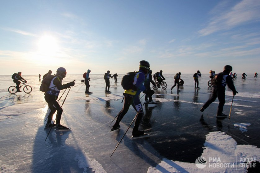 """""""Ледовый шторм"""" проходит на Байкале уже в пятый раз."""