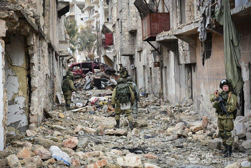 Военные инженеры сводного отряда Международного противоминного центра Вооруженных сил РФ продолжают разминирование восточных районов сирийского города Алеппо.