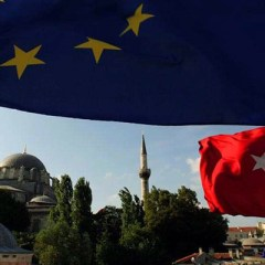 Welt: ЕС намерен обсудить прекращение переговоров о вступлении Турции в союз