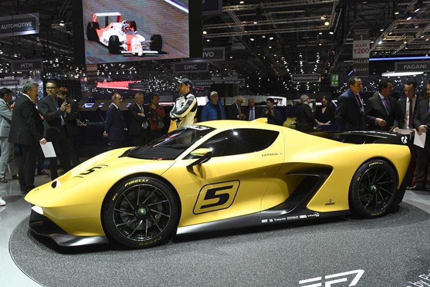 """На Женевском автосалоне чемпион гонки """"Инди-500"""" и легенда """"Формулы-1"""" Эмерсон Фиттипальди представил публике автомобиль своей мечты – EF7 Vision Gran Turismo."""