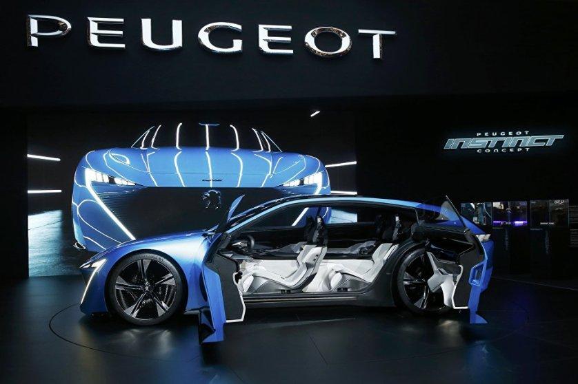 Французский автоконцерн представил женевской публике модель Peugeot Instinct Concept, которая продвигает идею автономного вождения в будущем.