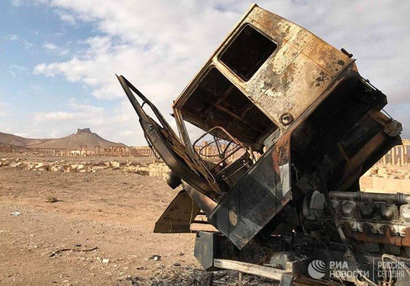 Правительственным войскам Сирии потребовалось меньше суток на зачистку Пальмиры от террористов после взятия мыса Ат-Тар и господствующих высот.