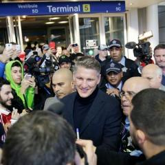 Bastian Schweinsteiger arrives to hero's welcome in Chicago
