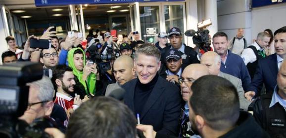 Bastian Schweinsteiger arrives to hero's welcome in Chicago