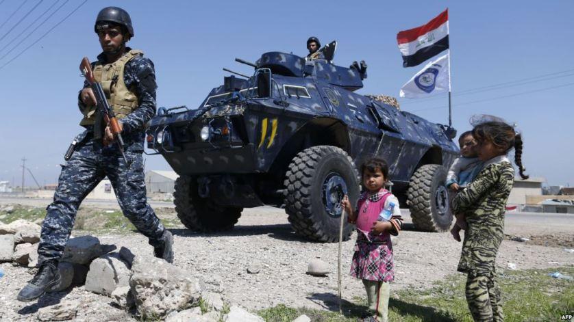 طفلة من الموصل تلخص معاناة مدينة
