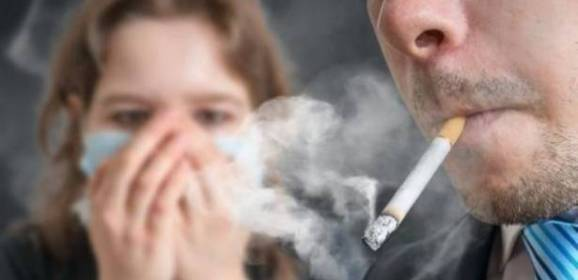 التدخين السلبي مثل المباشر بالنسبة لسرطان الحنجرة