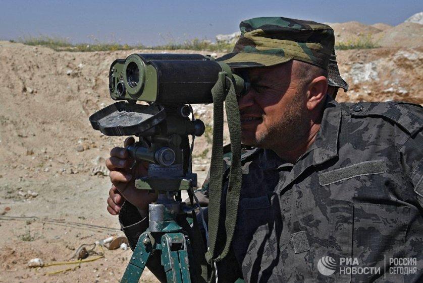 """В апреле 2014 года боевики запрещенной в России террористической организации """"Исламское государство"""" перекрыли дорогу, связывающую Дамаск, Пальмиру и Дейр-эз-Зор."""