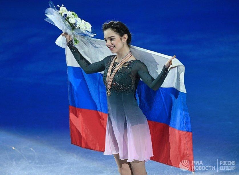 Российская фигуристка Евгения Медведева, завоевавшая золотую медаль в женском одиночном катании на чемпионате мира в Хельсинки.