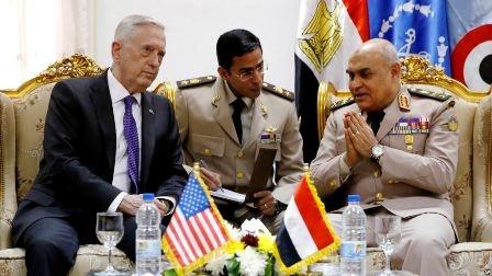 Министры обороны США Джеймс Мэттис и Египта Седки Собхи (справа)
