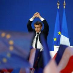 Французские социалисты призвали голосовать за Макрона во втором туре выборов