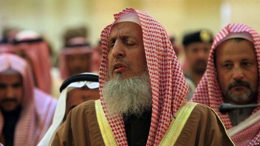 مفتي السعودية ينتقد المتراجعين عن تحريم الموسيقى