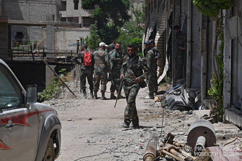 В понедельник на улицах начали работать саперы, которые ведут работы по поиску и уничтожению заложенных взрывных устройств.