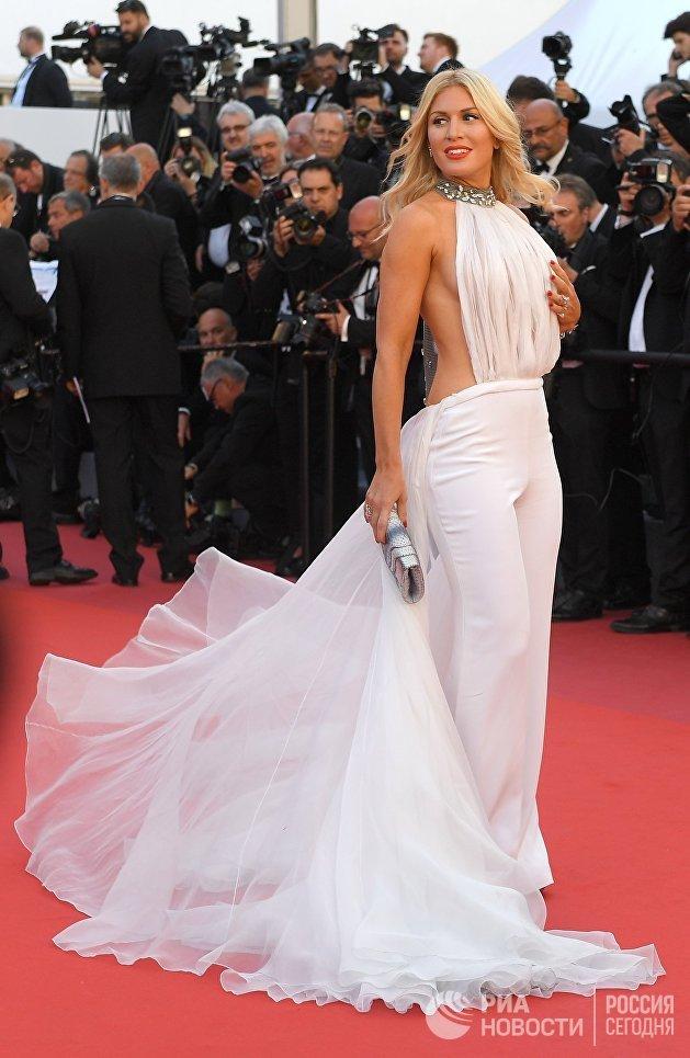 Модель и телеведущая Хофит Голан на церемонии открытия семидесятого Каннского международного кинофестиваля.