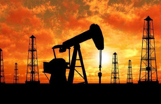 تراجع أسعار النفط بسبب تقويض زيادة عدد منصات الحفر في أميركا جهود «أوبك»