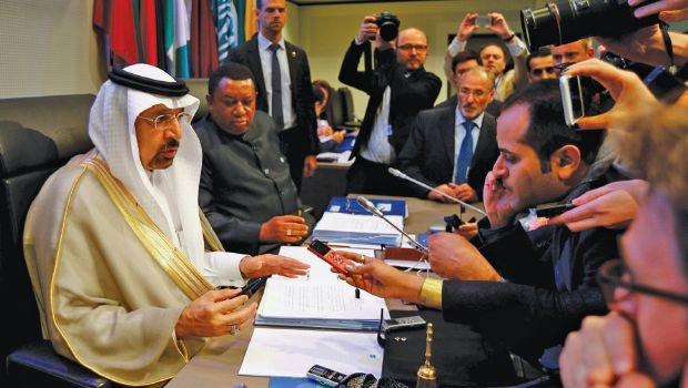 الفالح: سوق النفط في طريقها إلى التوازن