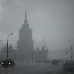Самолеты ВКС РФ 9 мая разгонят облака над Москвой