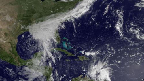 العاصفة سندي تقترب من الخليج الأميركي