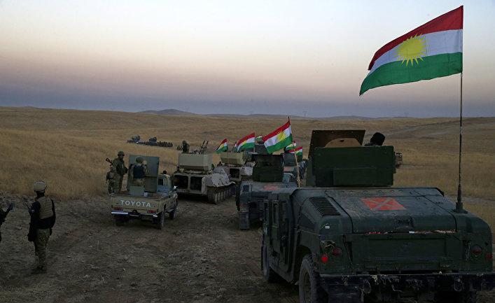 Колонна бронетехники курдской пешмерга в 30 км от Мосула, Ирак. 17 октября 2016