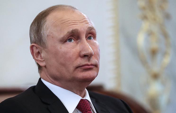 بوتين يصطحب تلاميذ بجولة في الكرملين