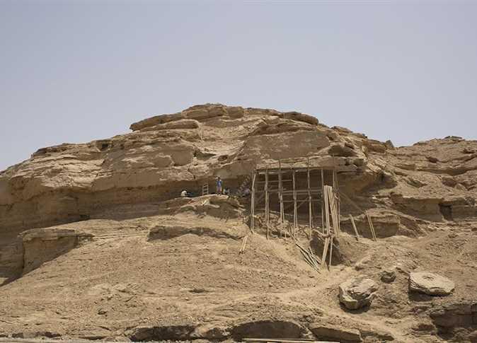 اكتشاف نقوش صخرية جنوب الأقصر