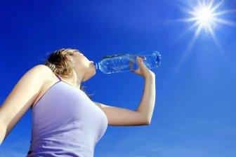 Учёные назвали самые опасные напитки для утоления жажды