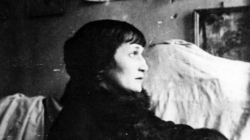 قيثارة الشعر الروسي …آنا أخماتوفا