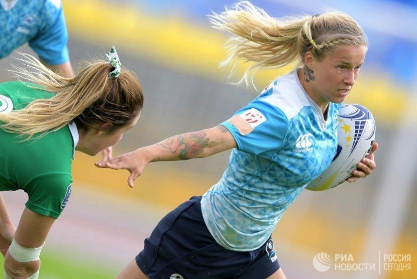 Дарья Бобкова в матче финального этапа европейской серии Гран-при по регби-7 среди женских команд между сборными России и Ирландии.