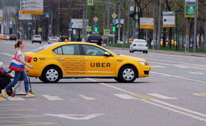 Автомобиль службы такси Uber