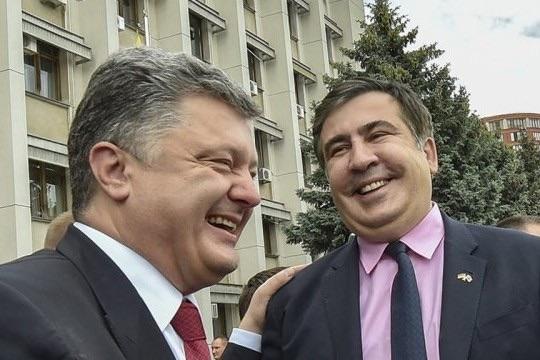 Саакашвили: Порошенко ведет себя не как президент, а как торговец душами