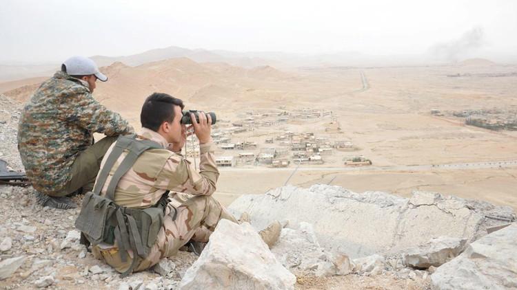 """الجيش السوري يتجه نحو آخر معاقل """"داعش"""" في حمص على طريقه نحو دير الزور"""