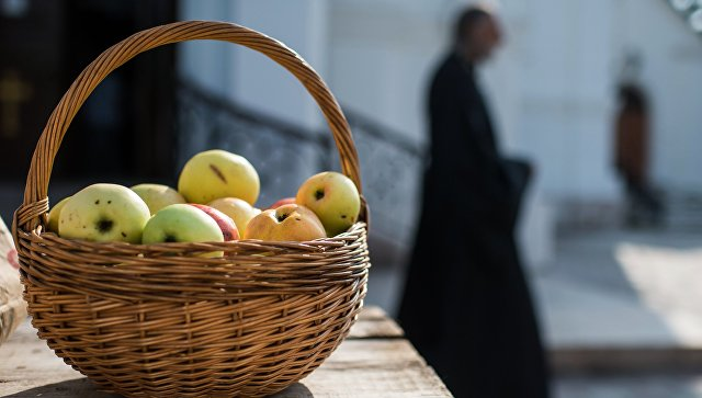Яблочный Спас: традиции верные и суеверные