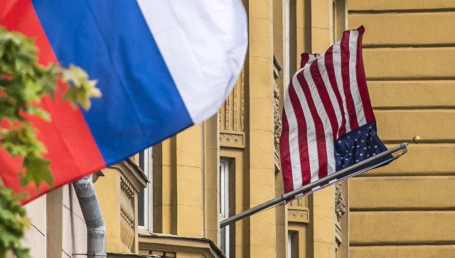 Клинцевич назвал планы США с приостановкой выдачи неиммиграционных виз мелкой пакостью