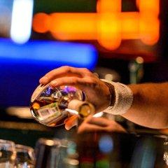 Россияне начали пить больше коньяка и импортных вин